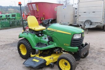 John Deere X748 Ride On Mower