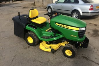 John Deere X300R Ride On Mower