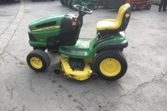 John Deere X140 Ride On Mower