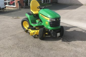 John Deere X534 Ride On Mower