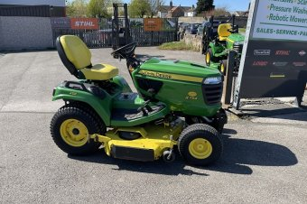 John Deere X754 Ride on Mower