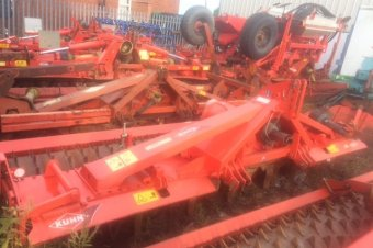 Kuhn HR4004 Power Harrow