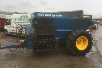 West 1300 Dual Spreader