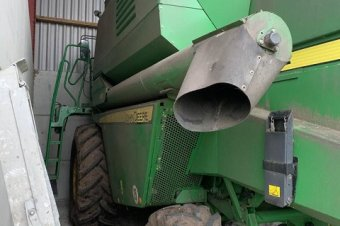 John Deere 1470 Level Land Combine