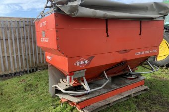 Kuhn Axera 1102 H-EMC Fertiliser Spreader