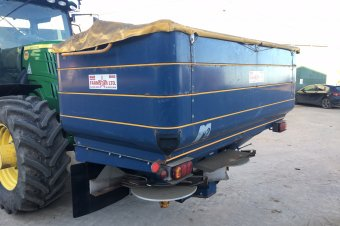 KRM M2 Fertiliser Spreader