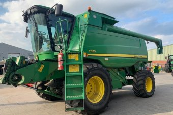 John Deere C670 Level Land Combine
