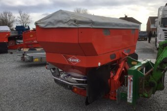 Kuhn Axis 40.1W Fertiliser Spreader