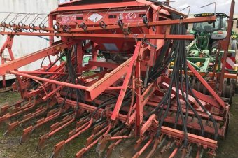 Kuhn HR4002D Power Harrow