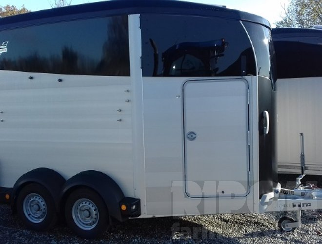 Image of Ifor Williams HBX 511 Horse Box